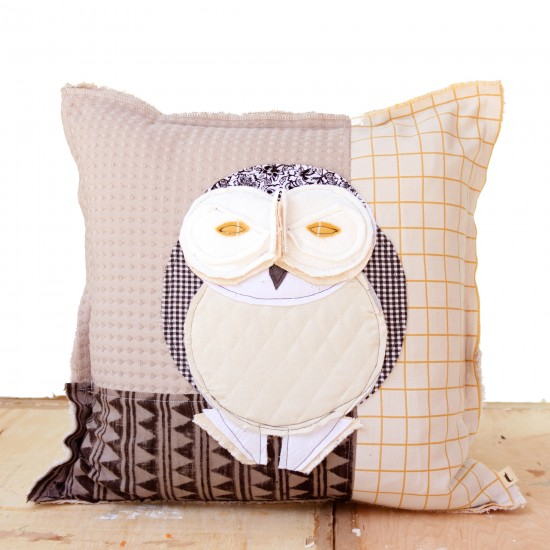 Snowy Owl - Artist Pillows Canadian Owls Collection