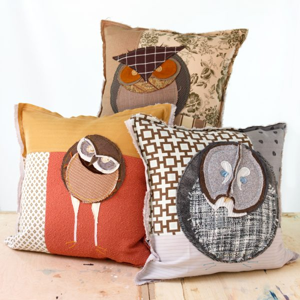 art-pillow-owl-group-sq