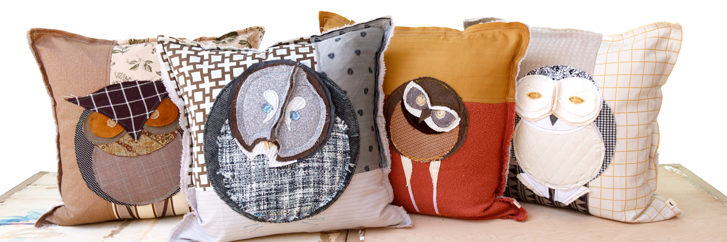 owl-art-pillow-grounp-wht-bkgd